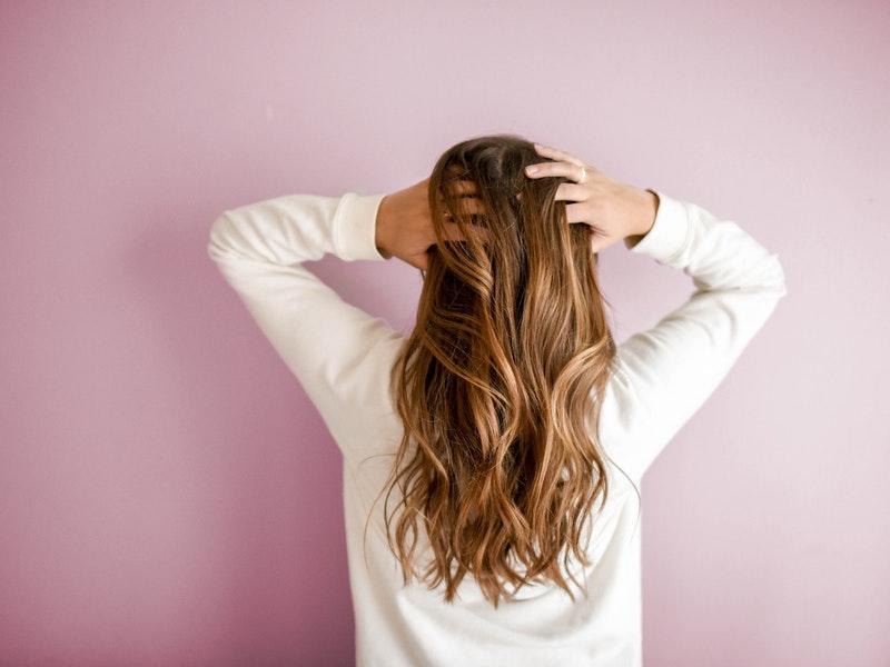 Muči Vas opadanje kose nakon COVID infekcije? Ovako se možete izboriti sa ovim problemom